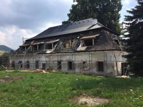 Kaštieľ pred rekonštrukciou