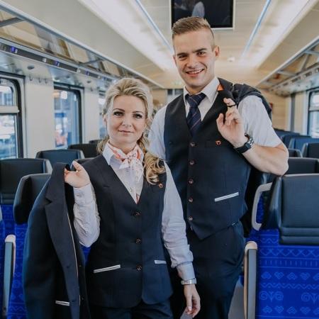 rovnošaty uniformy ZSR zeleznice